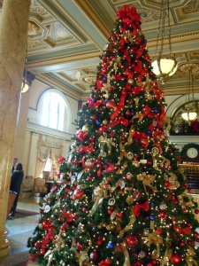 Lobby of the Willard decorated for Christmas