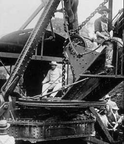 Roosevelt visits the Panama Canal under construction, in 1906 (Source: BBC)